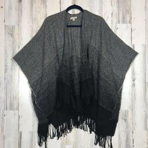 LOFT   Grey&Black Ombré Tassel Poncho OS